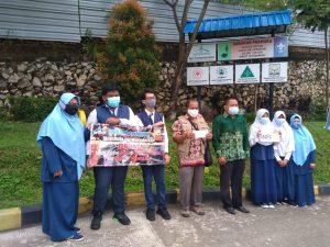 Osis SMPIT Istiqamah YPAITB Salurkan Donasi Kemanusiaan Melalui LazisMu